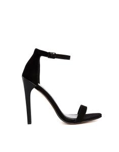 black sandal holiday fashion